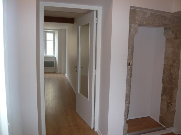 Location appartement Cremieu 595€ CC - Photo 2