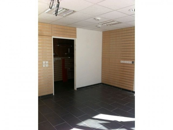 Vente Local commercial Angers 0