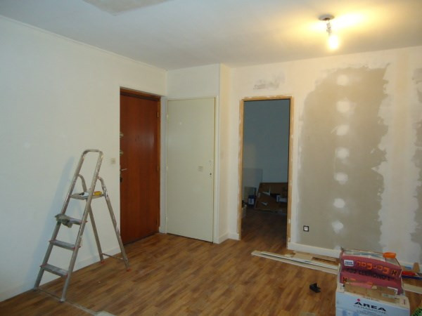 Rental apartment Pont de cheruy 521€ CC - Picture 2