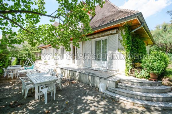 Maison/villa 10 pièces style île de France
