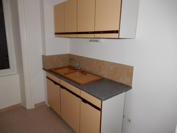 Location appartement La balme les grottes 395€ CC - Photo 3