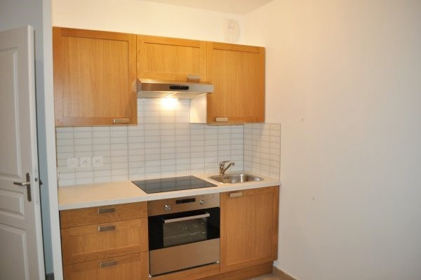 Rental apartment Aix-en-provence 765€ CC - Picture 1