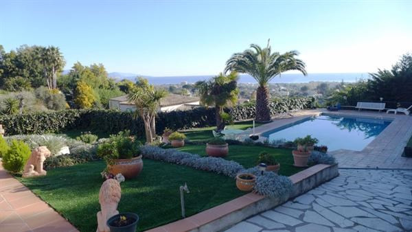 Deluxe sale house / villa Antibes 1680000€ - Picture 2