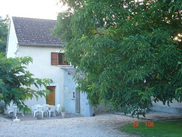 Location maison / villa Optevoz 615€ CC - Photo 1