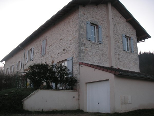 Location maison / villa Poncin 690€ CC - Photo 2