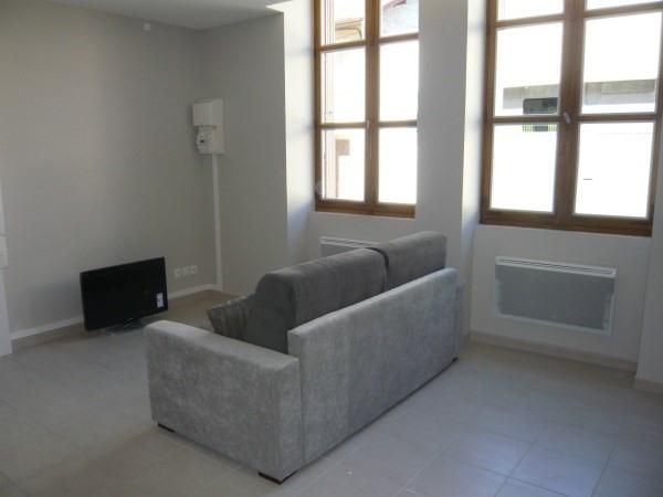 Rental apartment Cremieu 565€ CC - Picture 2