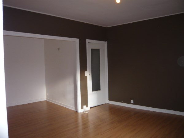 Rental apartment Cremieu 335€ CC - Picture 2