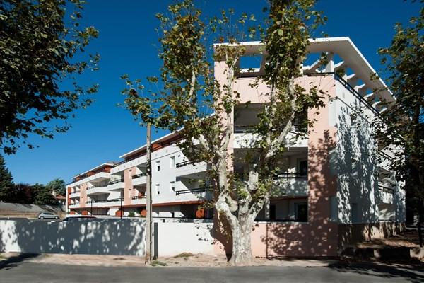 Location appartement Rousset 690€ CC - Photo 2