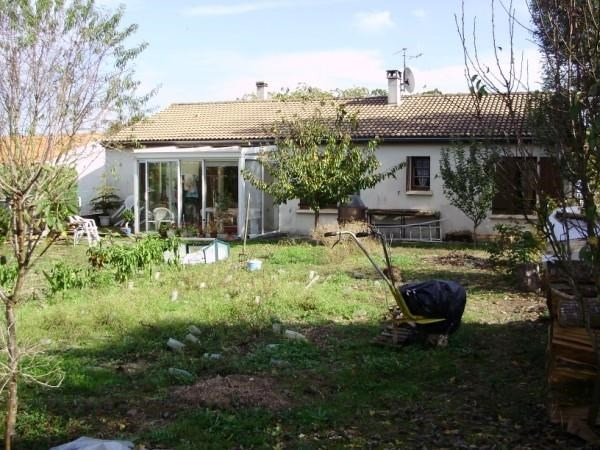 Sale house / villa Loulay 149800€ - Picture 2