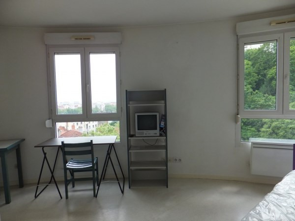 Verhuren  appartement Lyon 4ème 510€ CC - Foto 3