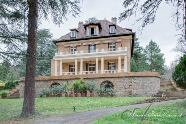 Propriété xixo 320 m² - parc 7690 m²