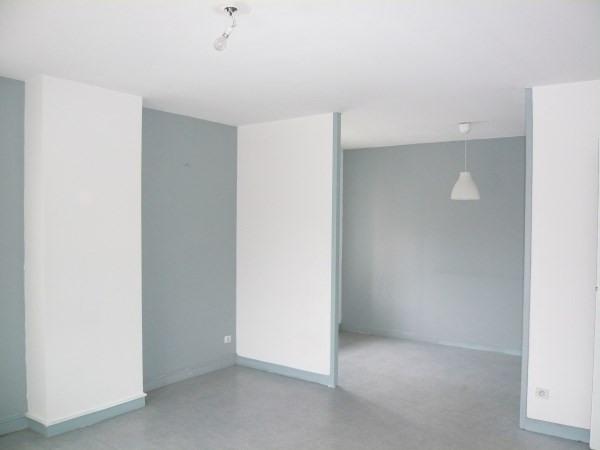 Rental apartment Frontonas 710€ CC - Picture 2