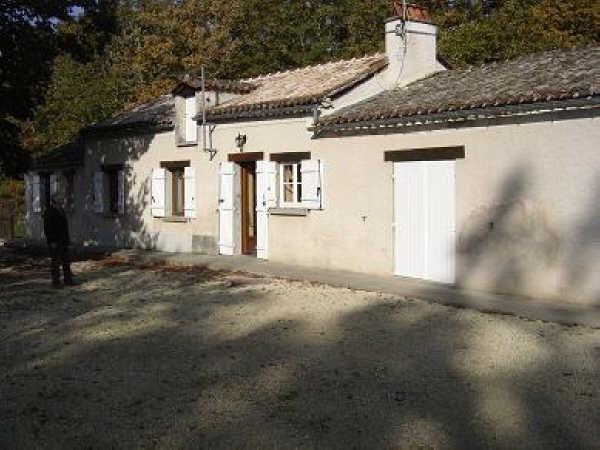 Location maison / villa Eyliac 561€ CC - Photo 1