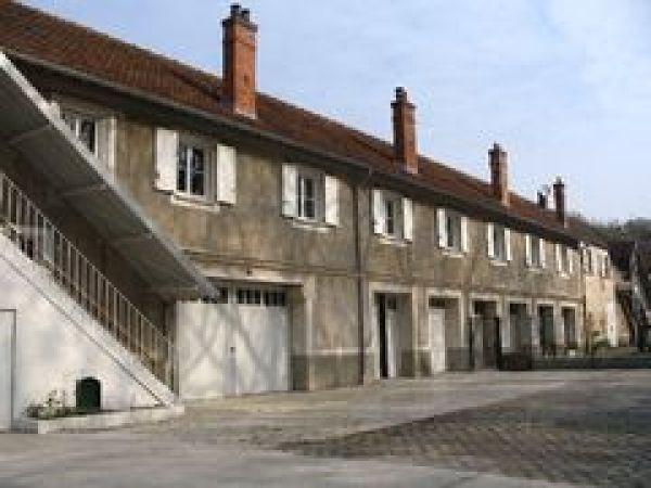 Rental apartment Echarcon 921€ CC - Picture 1