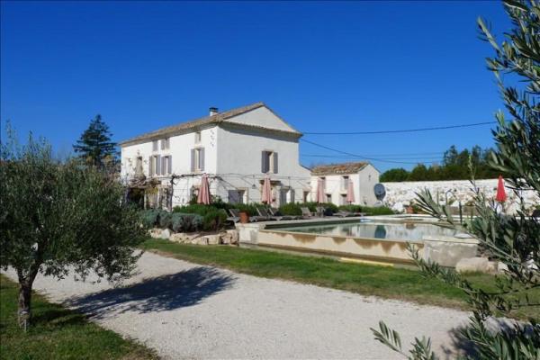 Villa carpentras 310 m²