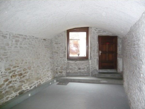 Location local commercial Cremieu 250€ CC - Photo 2