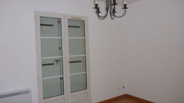 Rental apartment Saint vrain 660€ CC - Picture 2
