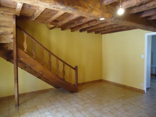 Rental house / villa Hieres sur amby 580€ CC - Picture 2
