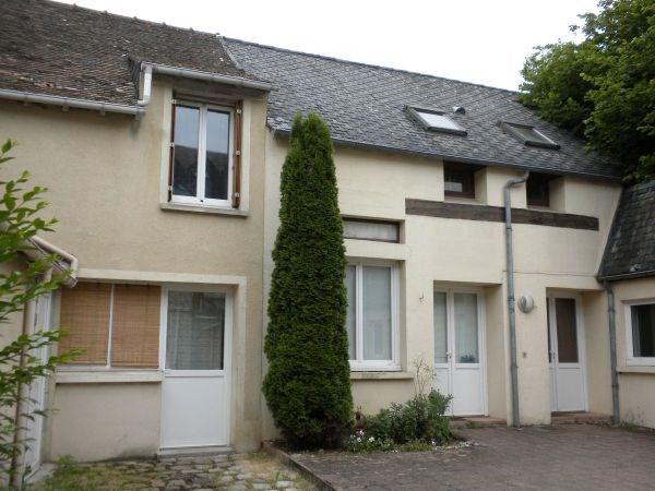 Rental apartment Chamarande 650€ CC - Picture 1
