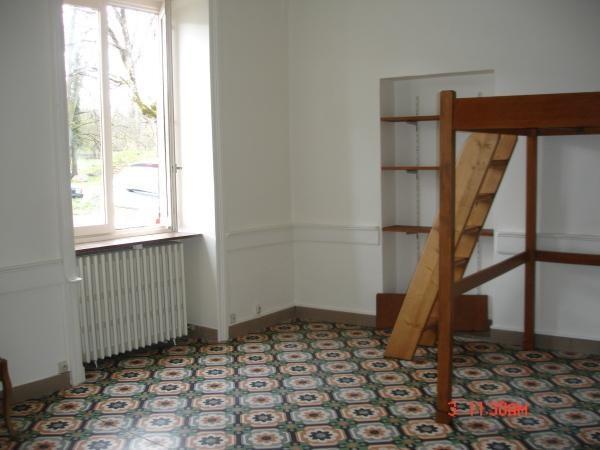 Rental apartment Chamagnieu 453€ CC - Picture 2