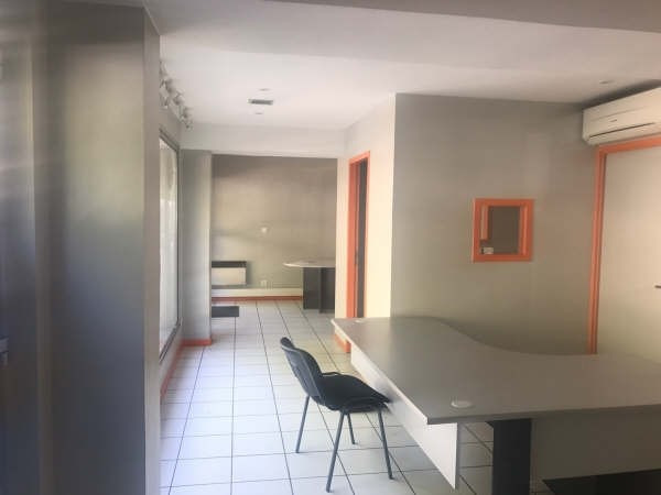 Rental office Chambery 750€ HT/HC - Picture 1