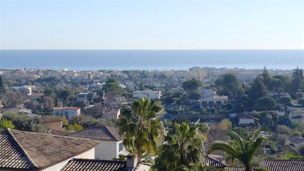 Deluxe sale house / villa Antibes 1680000€ - Picture 13