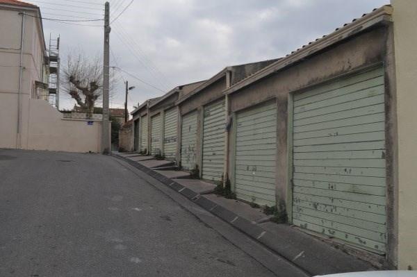 Location parking Marseille 16ème 80€ CC - Photo 1