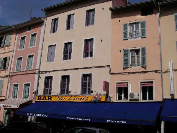 Rental apartment Nantua 410€ CC - Picture 1