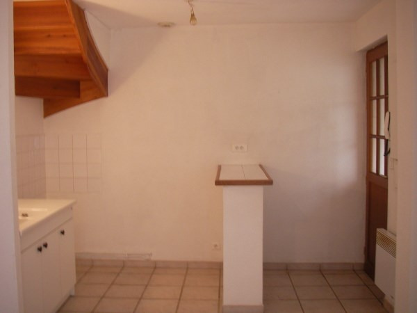 Location appartement Ambronay 350€ CC - Photo 2