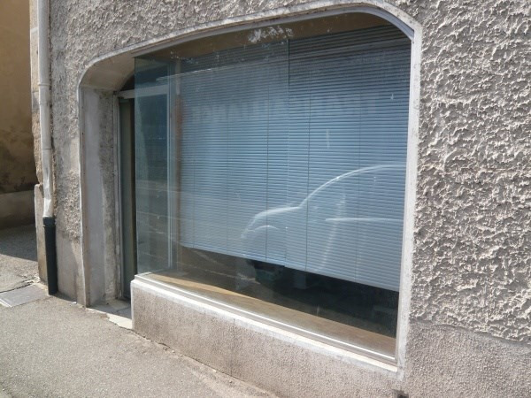 Location local commercial Chamagnieu 410€ CC - Photo 2