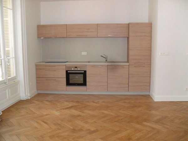 Location appartement Lyon 6ème 2 000€ CC - Photo 2