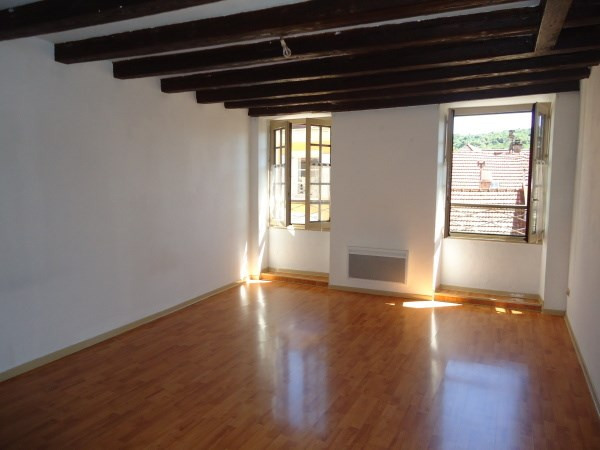 Rental apartment Cremieu 495€ CC - Picture 1