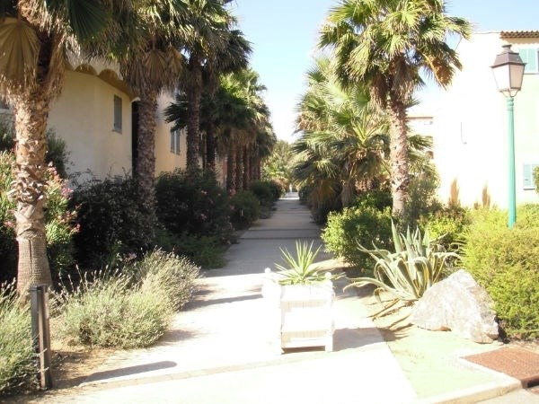 Location vacances appartement Cavalaire 600€ - Photo 2