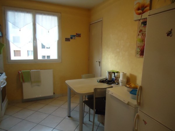 Rental apartment Pont de cheruy 720€ CC - Picture 4