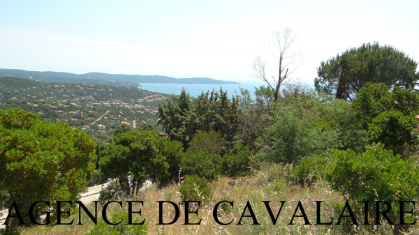 Terrain à bâtir à Cavalaire avec vue mer