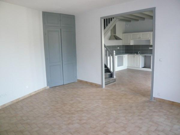 Rental house / villa Siccieu saint julien 825€ CC - Picture 3