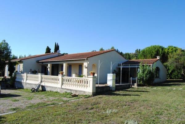 Villa de plain pied sur 3.700m² constructible