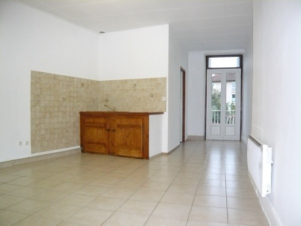Rental apartment Pont de cheruy 385€ CC - Picture 1