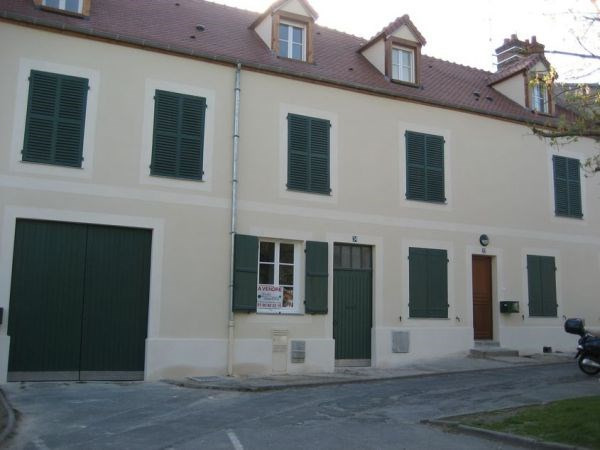 Rental apartment Saint vrain 675€ CC - Picture 1