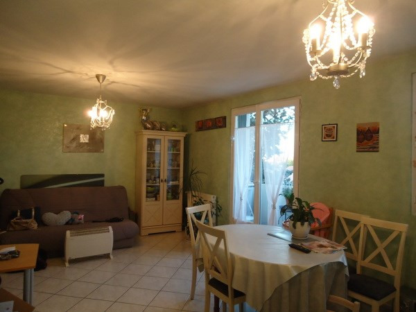 Rental apartment Pont de cheruy 720€ CC - Picture 2