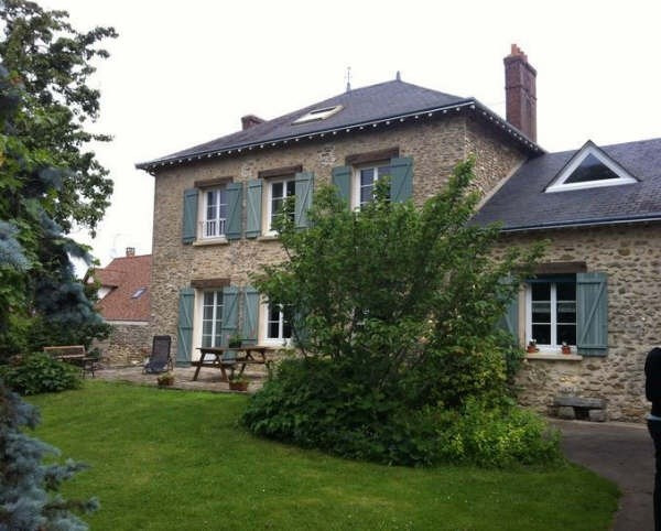 Location maison / villa St martin de brethencourt 1450€ +CH - Photo 1