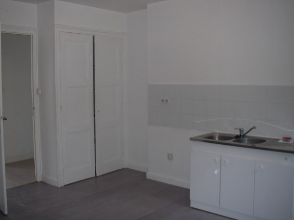 Rental apartment Pont d'ain 497€ CC - Picture 1