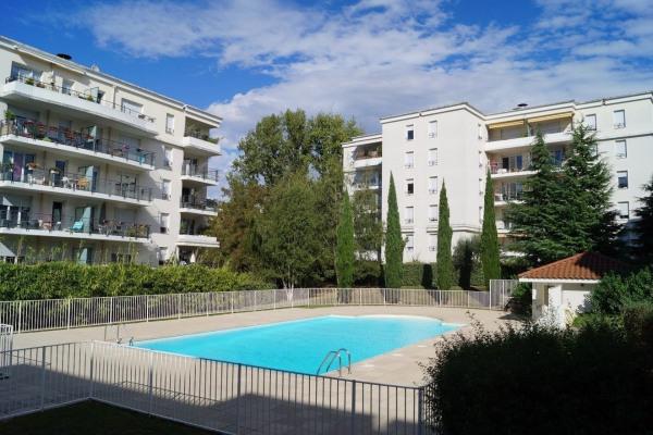 Appartement refait à neuf dans résidence récente avec piscine