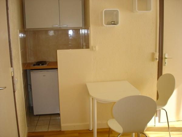 Rental apartment La verpilliere 340€ CC - Picture 2