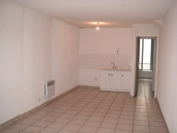 Location appartement Ambronay 358€ CC - Photo 2