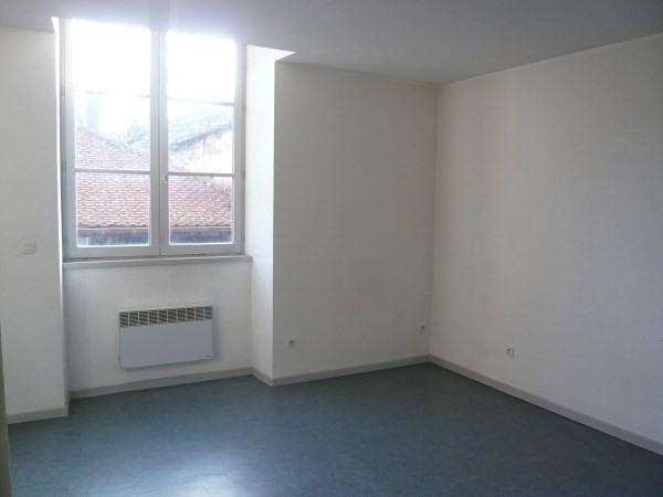 Location appartement Cremieu 490€ CC - Photo 2