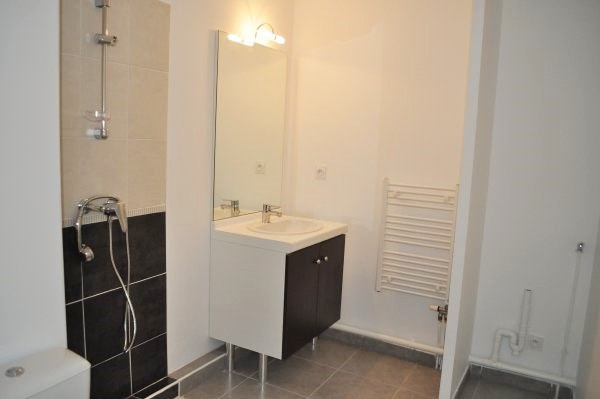 Location appartement Marseille 9ème 570€ CC - Photo 6