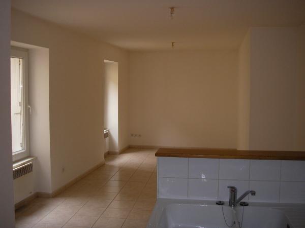 Rental apartment Cerdon 410€ CC - Picture 1