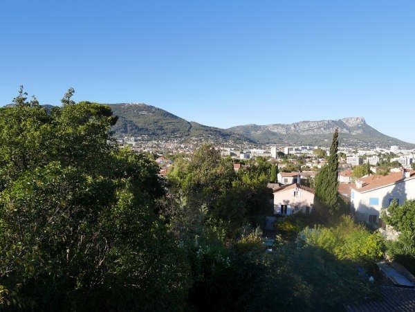 Sale house / villa Toulon 414 000€ - Picture 1