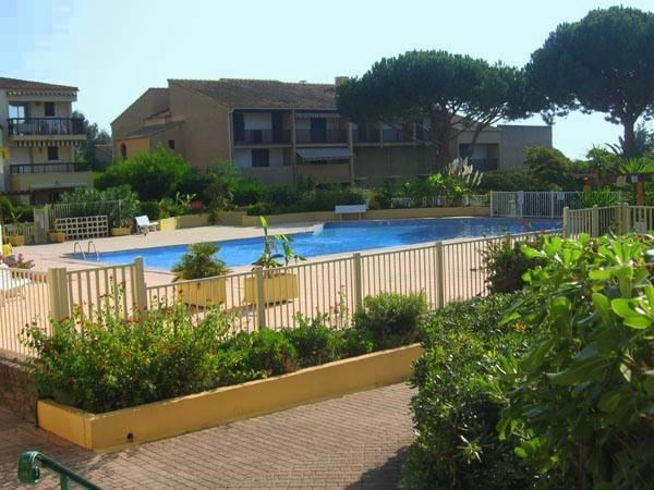 Vacation rental apartment Les issambres 540€ - Picture 4